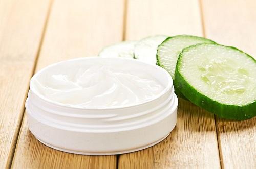 Làm sữa rửa mặt cho da thường từ dưa leo, sữa chua và lá bạc hà