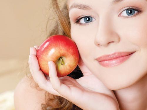 Hướng dẫn làm kem dưỡng da từ táo