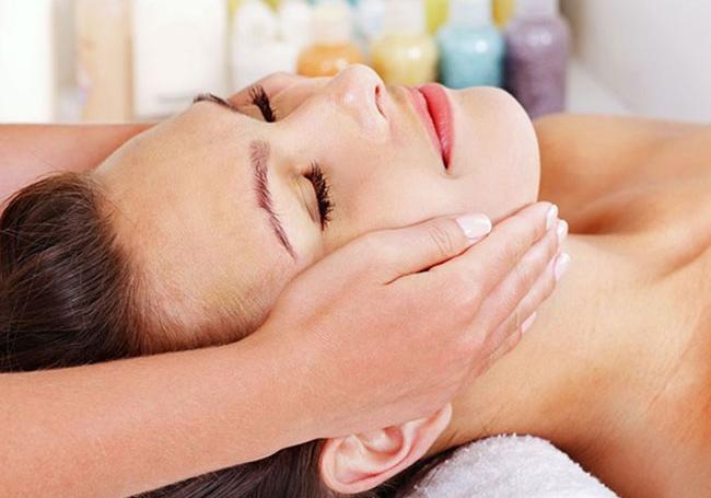Tác dụng của dầu dừa trên da mặt