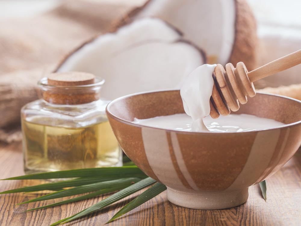 Dầu dừa – Tinh dầu thiên nhiên giúp dưỡng tóc hiệu quả